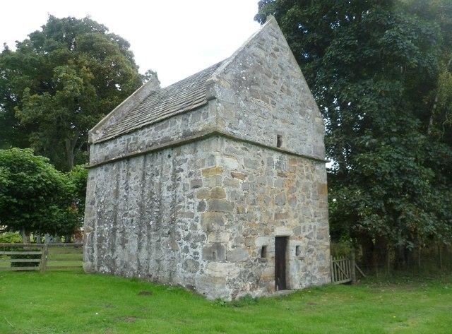 Earlshall Castle doocot