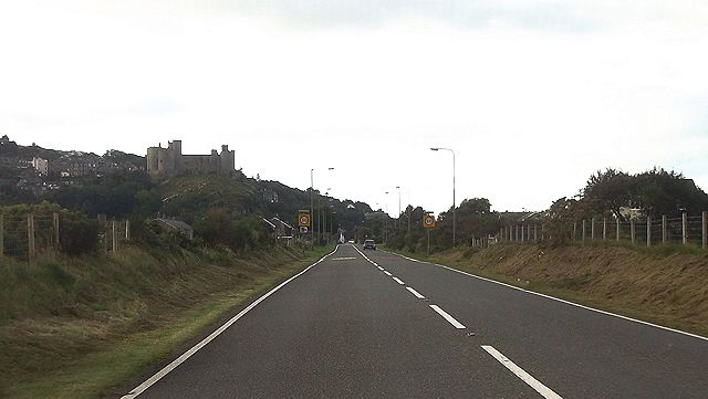Entering Harlech on A496