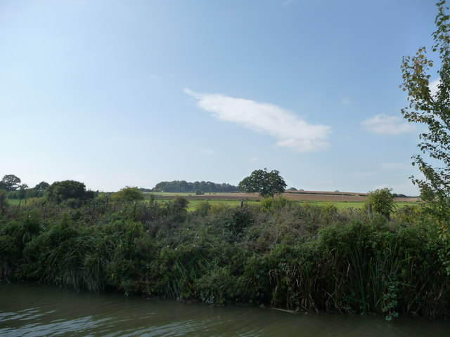 North-west bank, Kennet & Avon canal