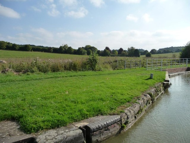 Towpath, Kennet & Avon canal