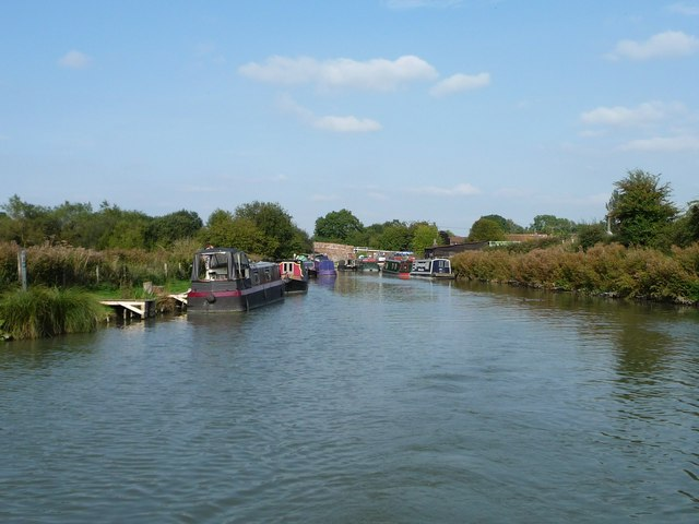 Boats moored south-west of Great Bedwyn Wharf