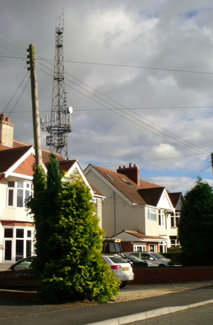 Telecommunications mast, Romsley Hill