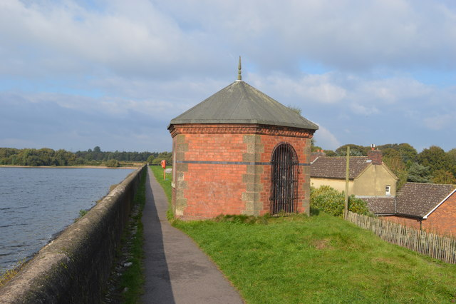 Valve control building - Chasewater Reservoir