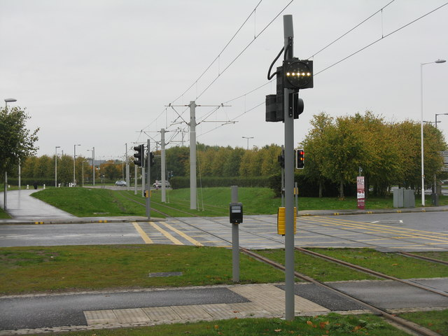 Tramway crossing Lochside Avenue