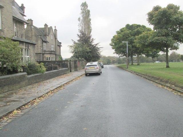Queen's Gate - looking towards Manor Heath Road