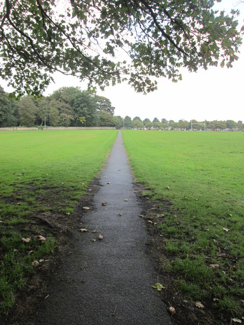 Footpath across Savile Park - Skircoat Moor Road