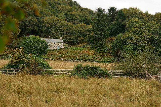 Dinas-ddu, Gwynedd