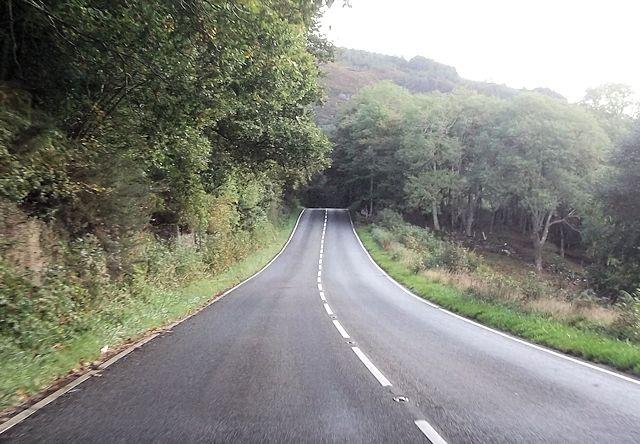 Straight road near Glan-dwr-uchaf