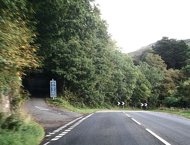 Steep road from junction at Caerdeon