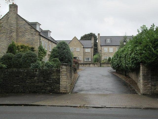 Longwood Close - Birdcage Lane