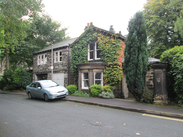 The Lodge - Grange Park - Skircoat Moor Road
