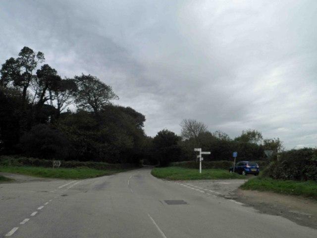 Finger direction post on road junction, Grove Hill