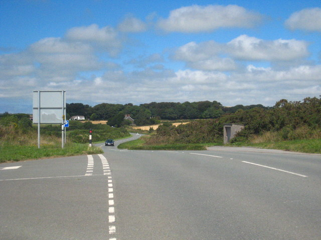 Looking north along the B3266 near St Tudy