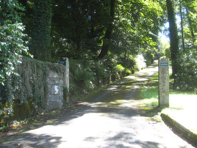 Entrance drive to Fellover