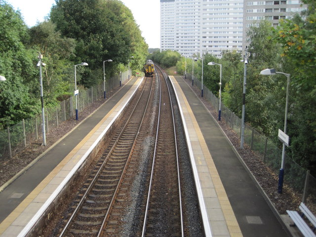 Kennishead railway station, East Renfrewshire