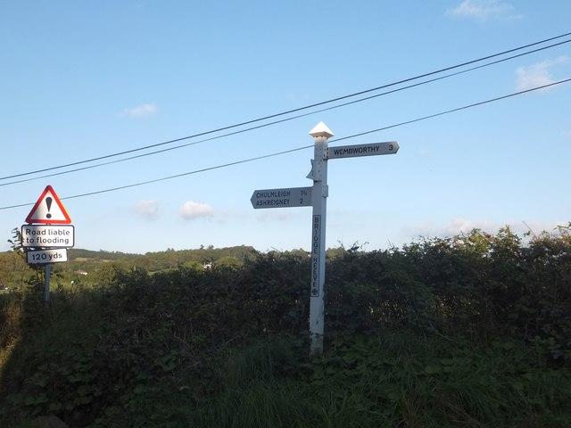 Bridge Reeve Cross signpost