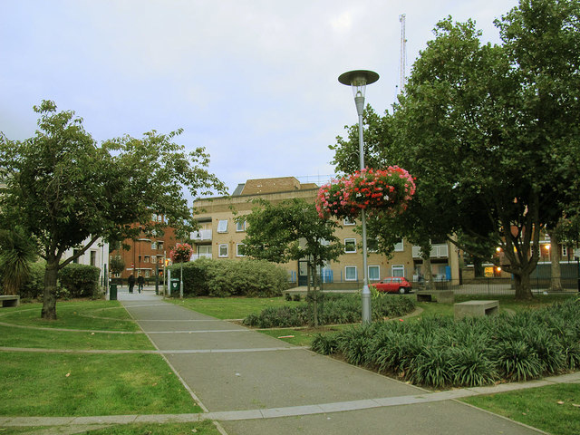 Bermondsey Spa gardens, northern entrance