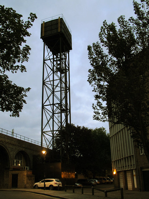 Dockley Road water tower