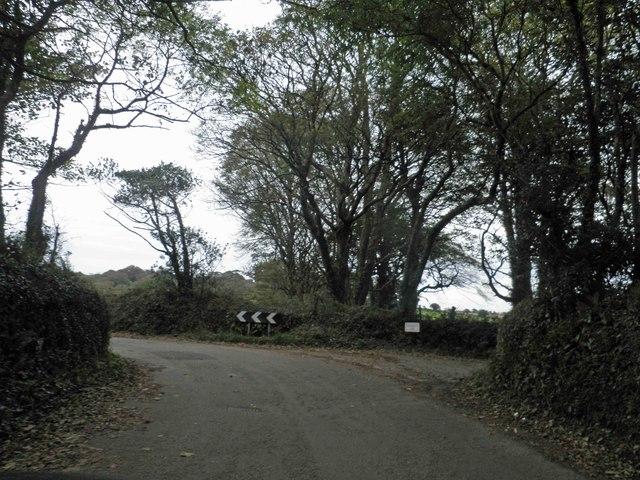 Bend ahead on Carlidnack Road