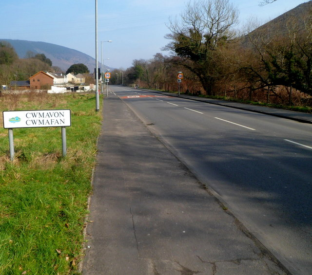 SW boundary of Cwmavon