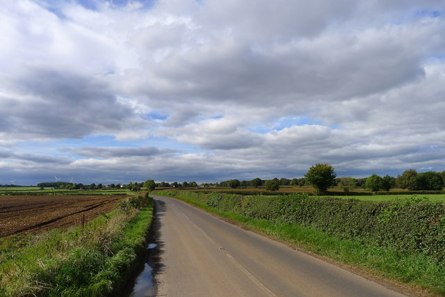 Cycle Route 6 on Back Lane heading towards Thorpe Salvin