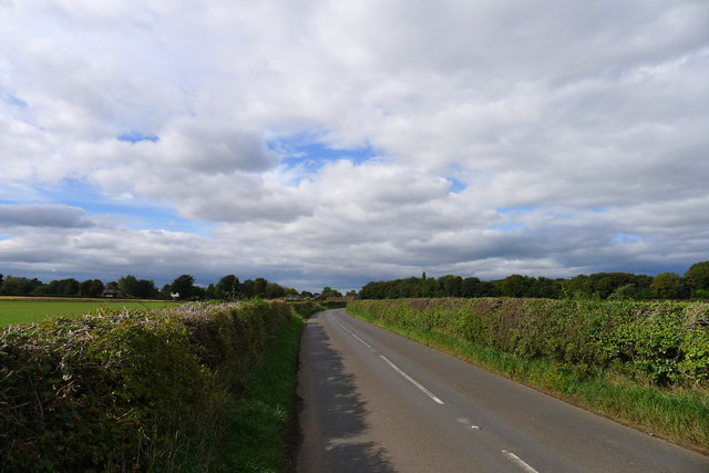 Cycle Route 6 on Back Lane approaching Thorpe Salvin