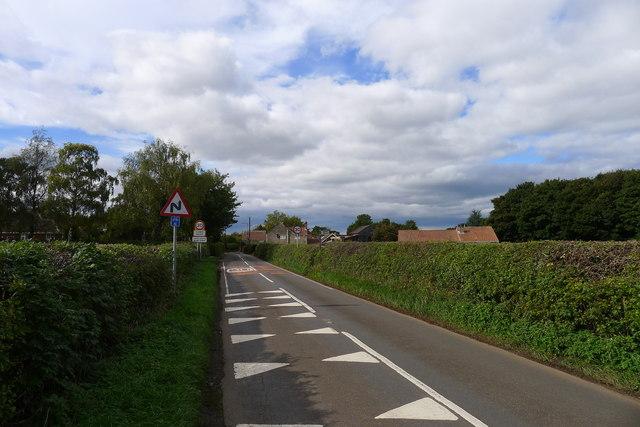 Entering Thorpe Salvin on Back Lane