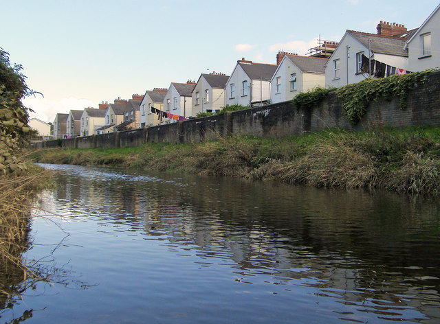 Lansdown Terrace, St. Georges Road as seen from the river Yeo