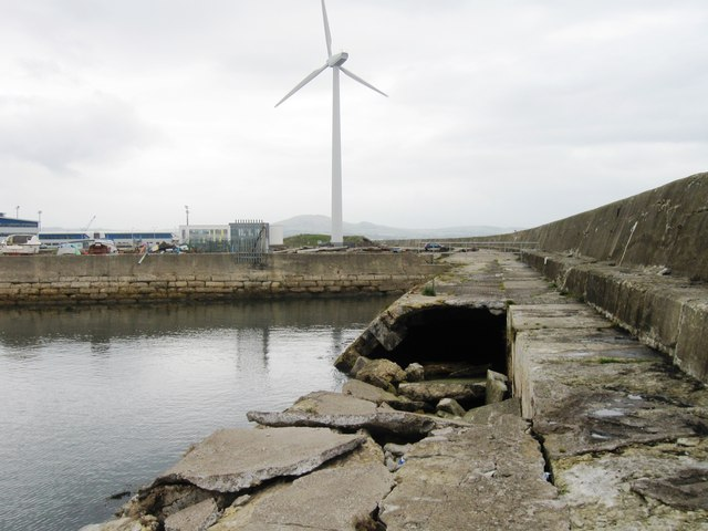 Damaged breakwater, Methil