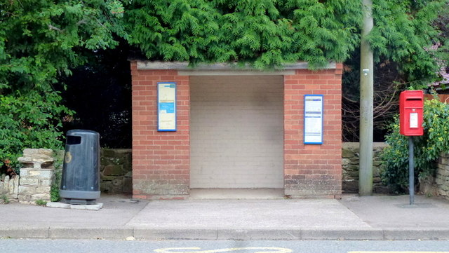 Bus shelter in Huntley