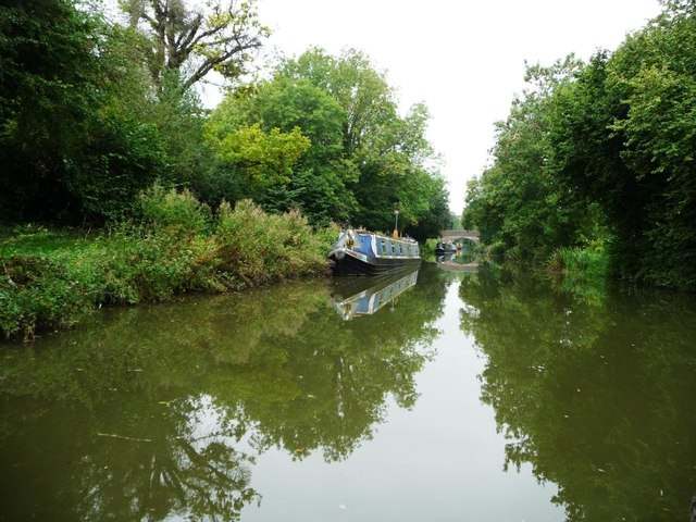 Moored boats near Milkhouse Water bridge [no 112]