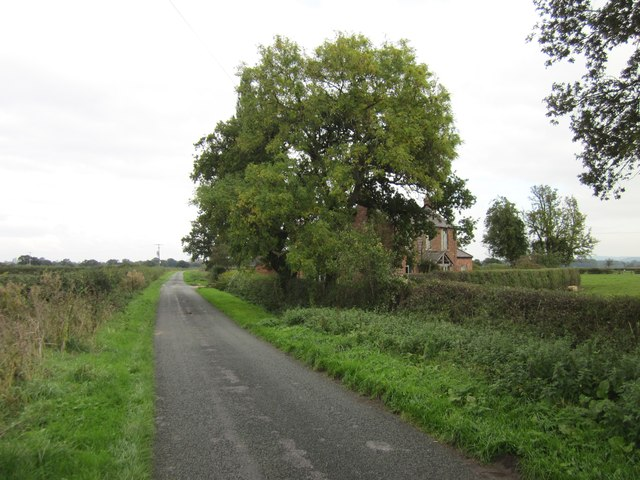 The B5130 (Holt Road) at Ridleywood