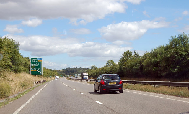 Approaching A338 junction on A303