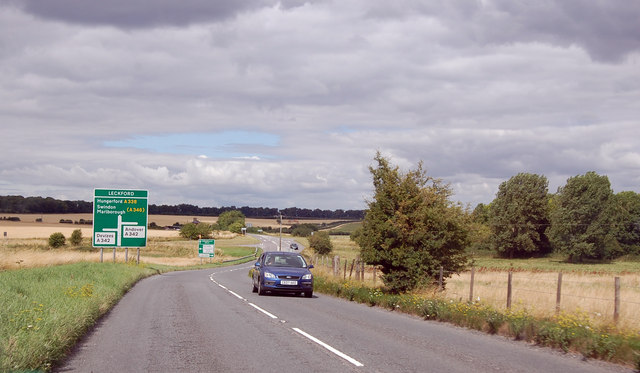 A338 approaching junction with A342