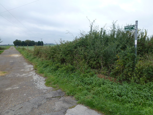 Footpath from the end of Old Ramsey Road