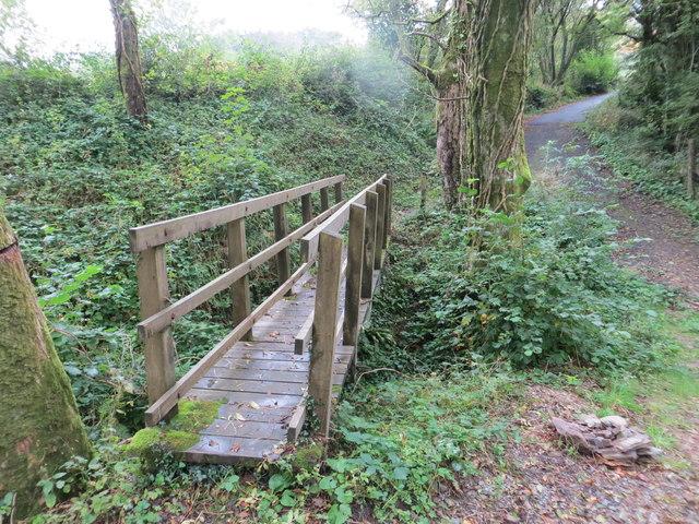 Footbridge over stream near Rowley Cross