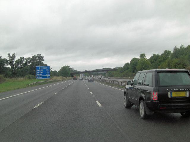 M40 southwest of Hamptonhill Farm