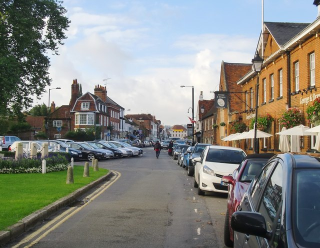 Marlow: view toward the High Street from the Causeway
