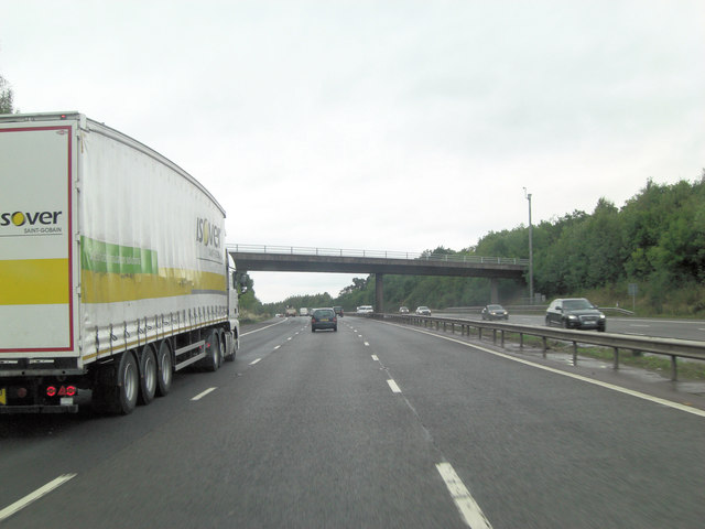 M40 approaches Dark Lane overbridge