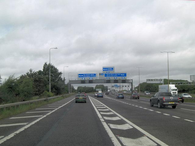 M42 slip-road at junction 7