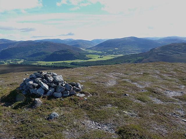 Meikle Elrick cairn - towards Braemar