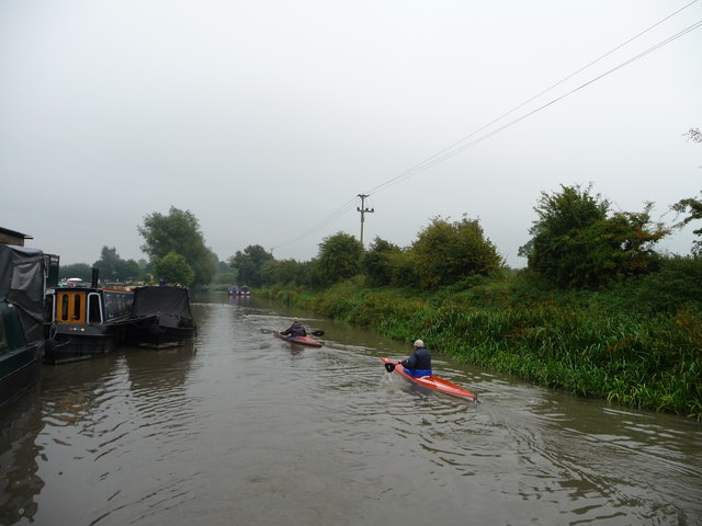 Canoeists outside Devizes Marina