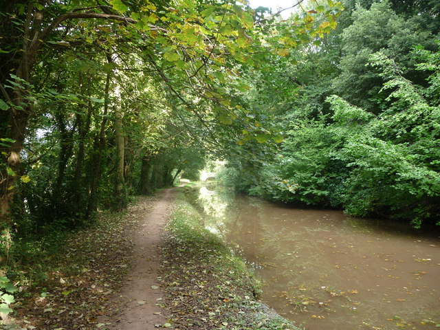 Early autumn on the Mon. & Brec. canal near Llangattock