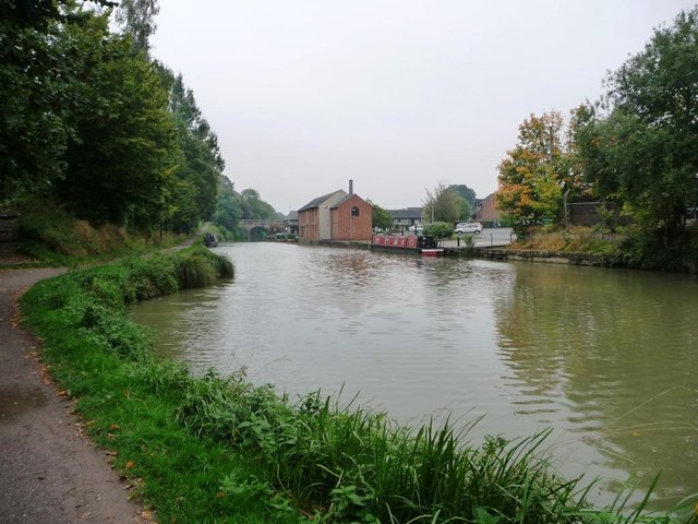 Winding hole, west end of Devizes Wharf