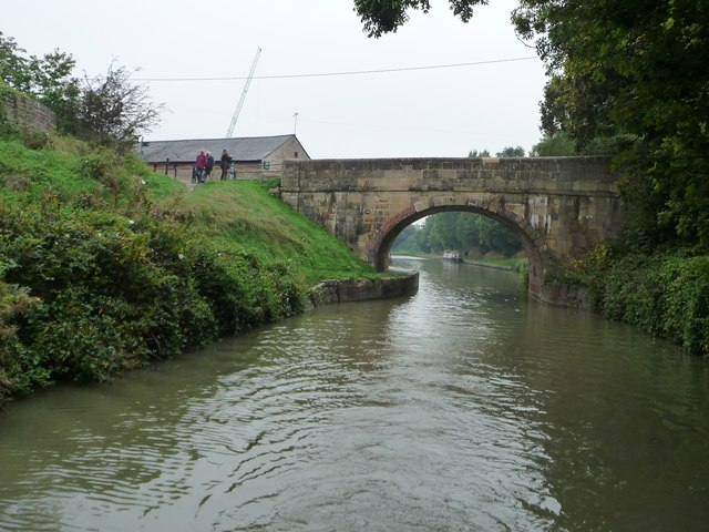 Cemetery Road Bridge [no 140] from the east