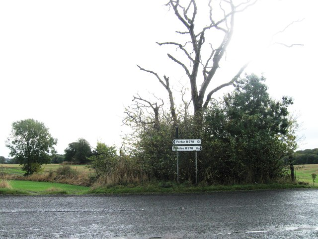 Road junction. B978