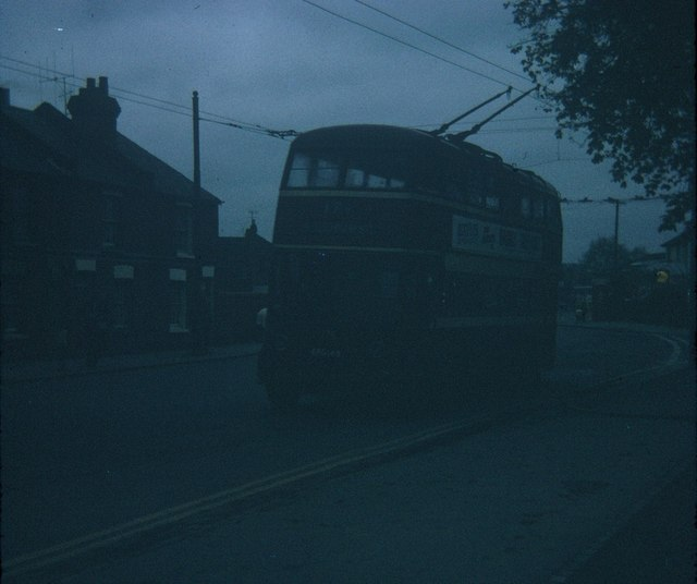 A Reading trolleybus at the Wokingham Road terminus (2)