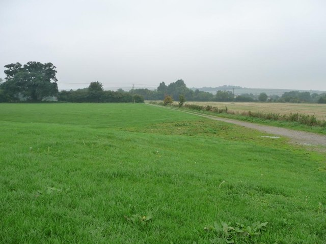 Public footpath and track to Bishops Canning