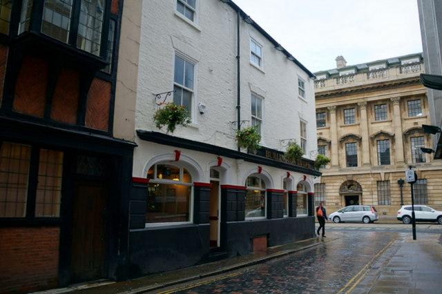 Burlington Tavern on Alfred Gelder Street, Hull