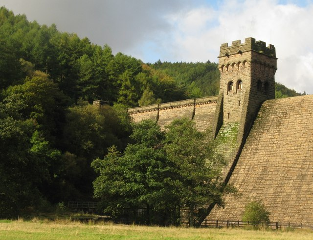 Dam wall at Derwent Reservoir